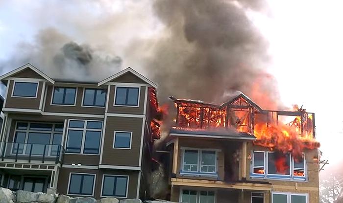 Husbränder vid Maple Ridge B.C. Kanada - Foto: Broesky - Brandskydd